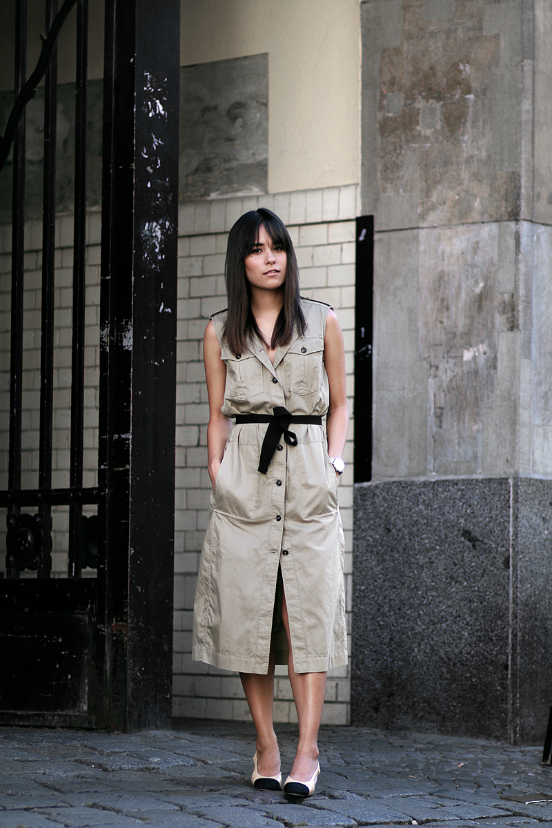 Outfit: The Trench Dress - Modern Safari